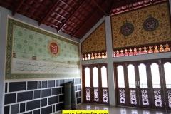 kaligrafi islami dinding samping mihrab (7)
